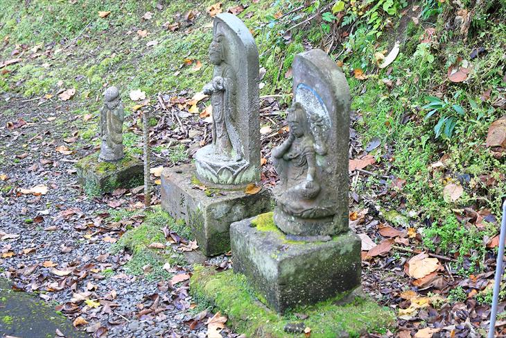 赤岩山神社の仏像