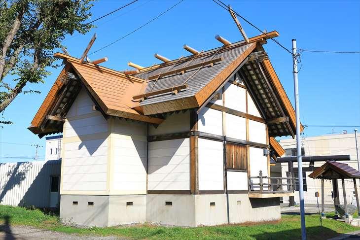 朝里神社 社殿