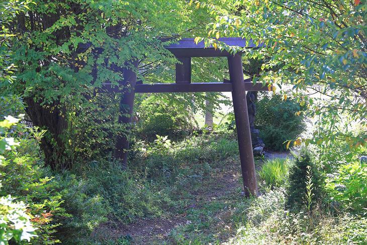 小樽伏見稲荷神社の境内
