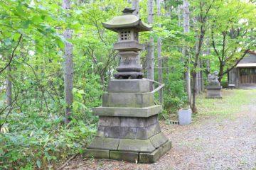 星野稲荷神社の石灯籠