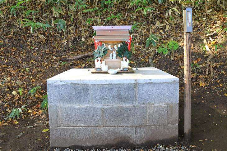 金吾龍神社 境内社の稲荷神社