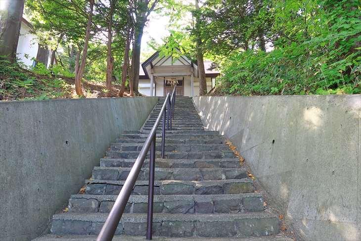熊碓神社の階段