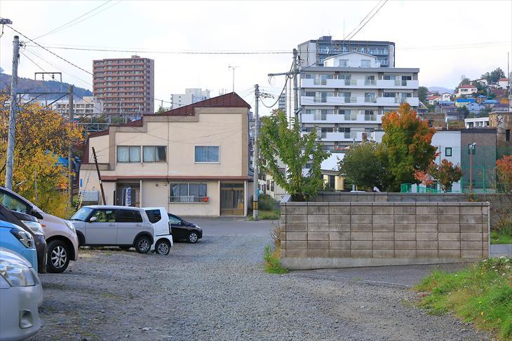 南小樽駅 裏口から出たところ