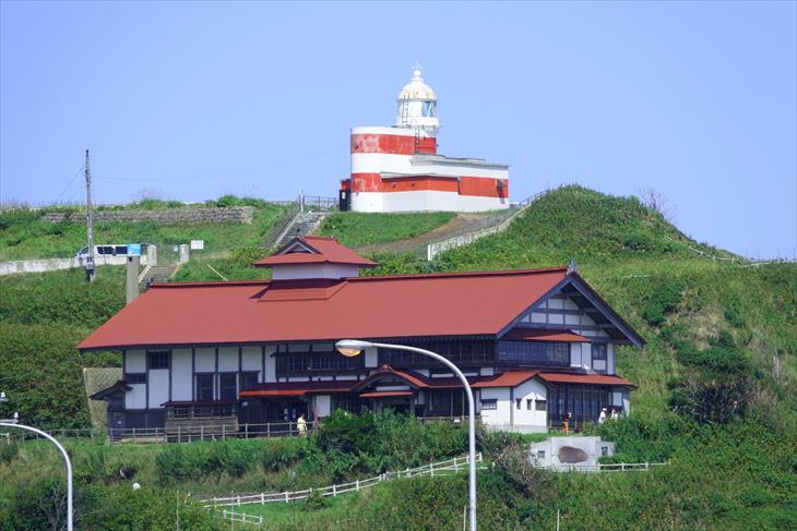 日和山灯台と小樽市鰊御殿