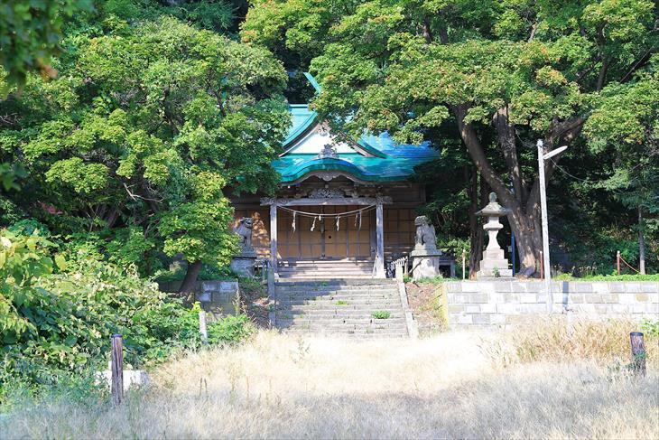 忍路神社の参道