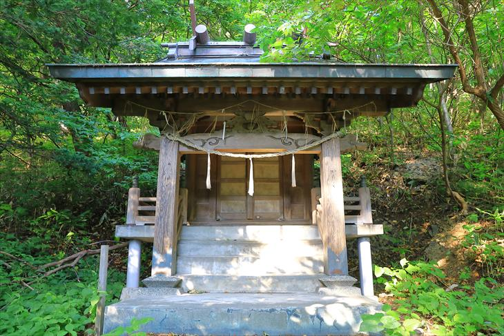 忍路神社の本殿