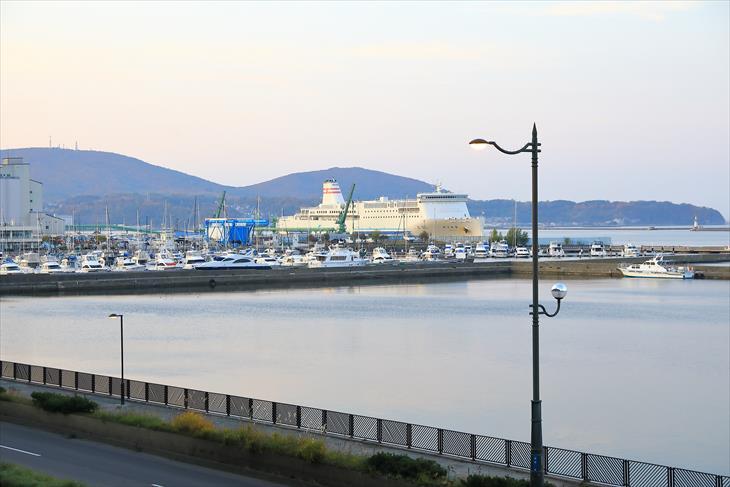 小樽築港駅の海