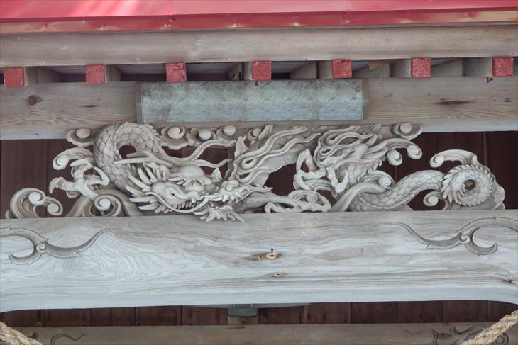 蘭島神社の拝殿の龍神様