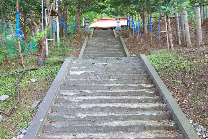 塩谷神社 階段