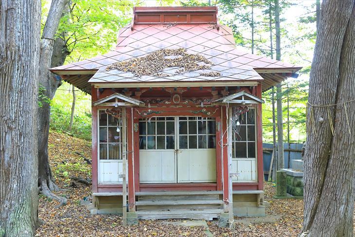 塩谷神社慰霊殿
