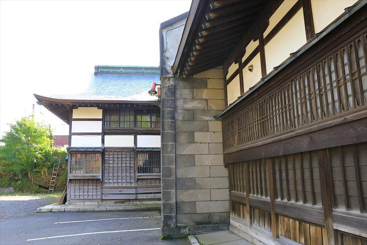 住吉神社 社務所 袖壁
