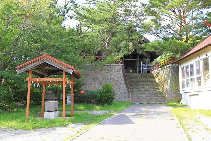 高島稲荷神社 境内