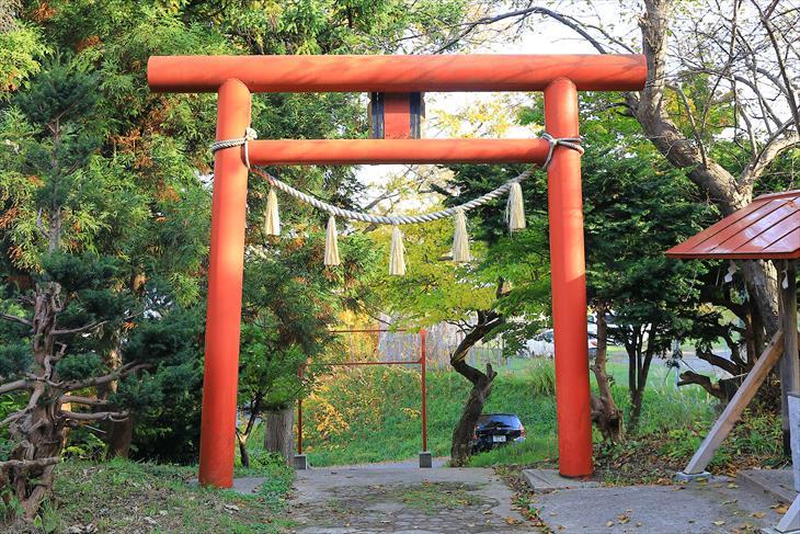 厩稲荷神社の鳥居